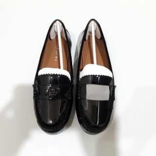 全新正品COACH漆皮平底鞋(黑色)
