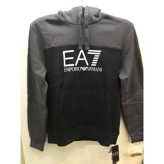 EA7帽T