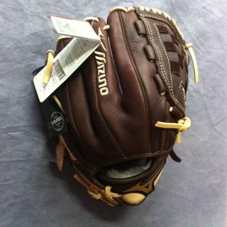 美津濃 MIZUNO 2017 高級棒球手套 特價1900元