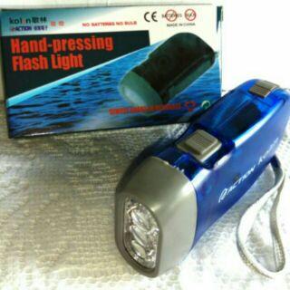 搶購49元歌林 免裝電池 3LED手搖自發電手電筒地震停電防災最佳手電筒