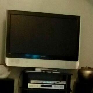8成新42寸液晶電視