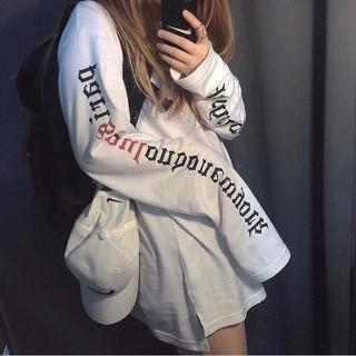 【 】長袖T 恤女生衣著 前短后長寬鬆休閒百搭顯瘦字母女裝印花衣服 打底衫簡約 學生上衣