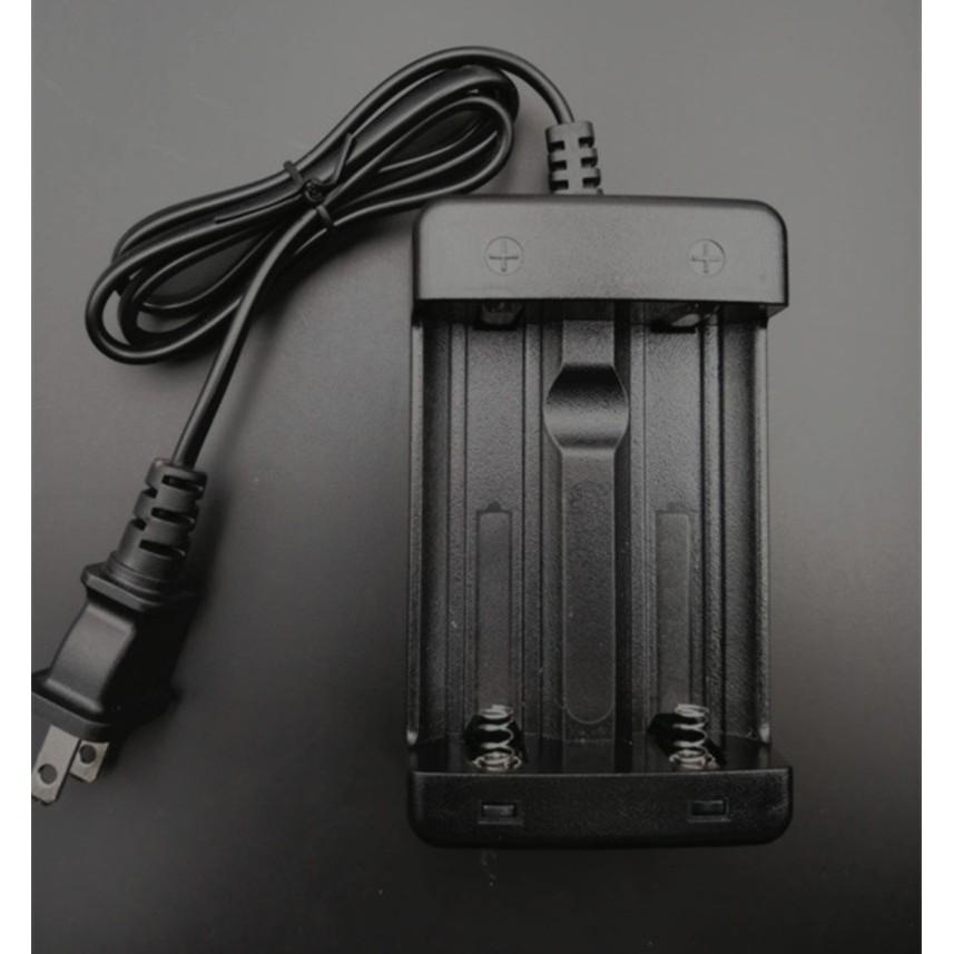 3.7V大鋰電池 21700 26650 32650 32700電池2A電流雙槽快速充電器