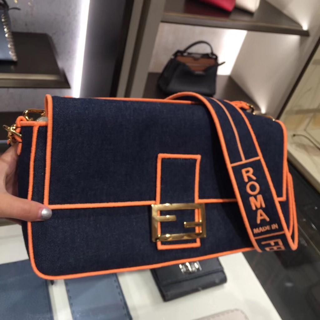 【現貨】FENDI 芬迪 新款BAGUETTE牛仔刺繡法棍包單肩斜跨小方包手提包女包