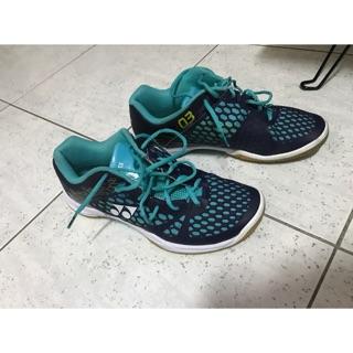 YY羽球鞋