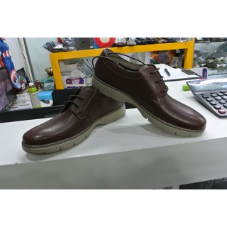 全新Clarks Soft Cushion輕量男士休閒鞋,特價$2,880