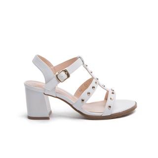 【達芙妮DAPHNE】DULALA系列 涼鞋-鉚釘一字羅馬款粗高跟涼鞋(米白)