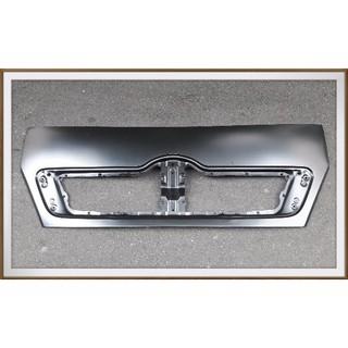 【帝益汽材】HINO 500 新福將 FD 10.5~11噸 2003年後 面板《另有賣水箱護罩、鏡架座外蓋、車門貼紙》
