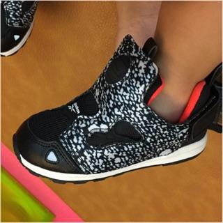 Reebok pump 童鞋