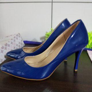 漆皮寶藍高跟鞋