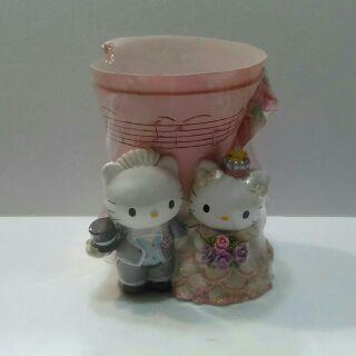 Hello kitty 結婚造型筆筒/花器
