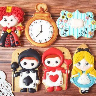 愛麗絲夢遊仙境 收涎餅乾 糖霜餅乾客製化餅乾女寶寶收涎餅乾