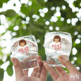 韓國이슬톡톡 IU代言 真露水蜜桃女孩小酒杯/玻璃杯