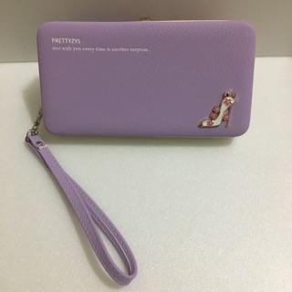 粉紫色手拿皮夾