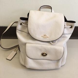 Coach白色後背包,少用七成新,美國outlet 購買