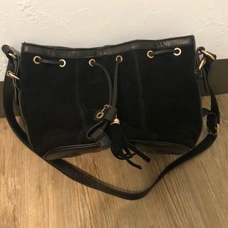 斜背包 側背包 水桶包 束口包 拉鍊 個性 黑