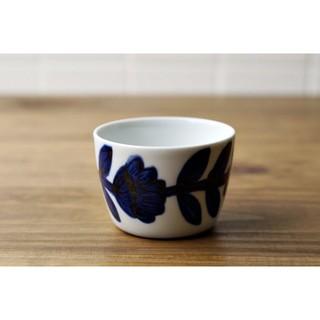 [偶拾小巷] 日本製 波佐見焼 職人手繪 靛藍雛菊豬口杯