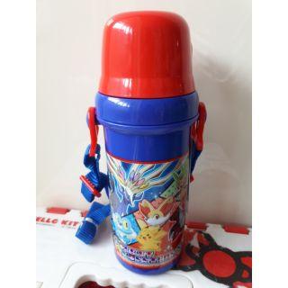 日本 神奇寶貝 皮卡丘 寶可夢 兒童 斜背 直飲式 杯蓋 杯子 水壺 480ML~恩恩購物城~