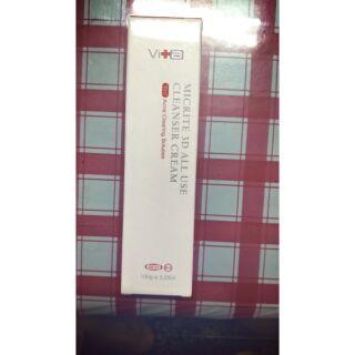 買一送一399元,薇佳 微晶3D全能洗顏霜原價一條580,再送蜜妮溫感卸妝精華乳體驗瓶一個